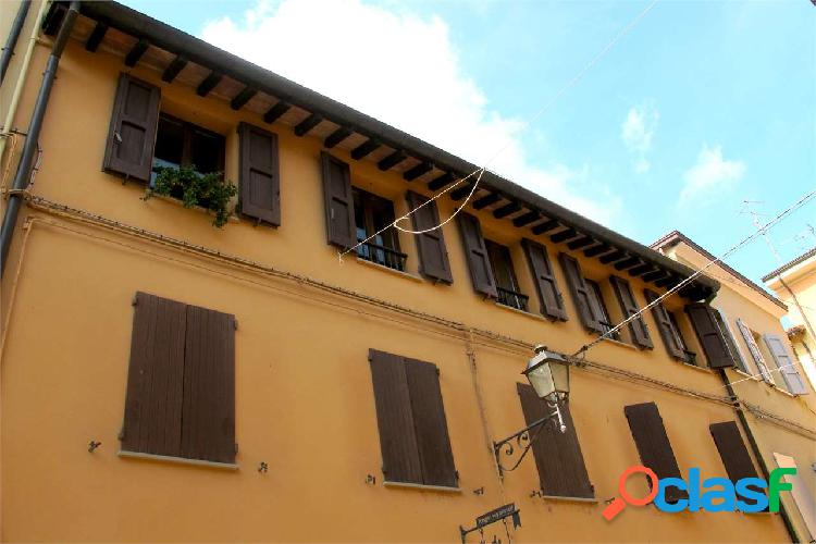 Vignola splendido attico in centro storico