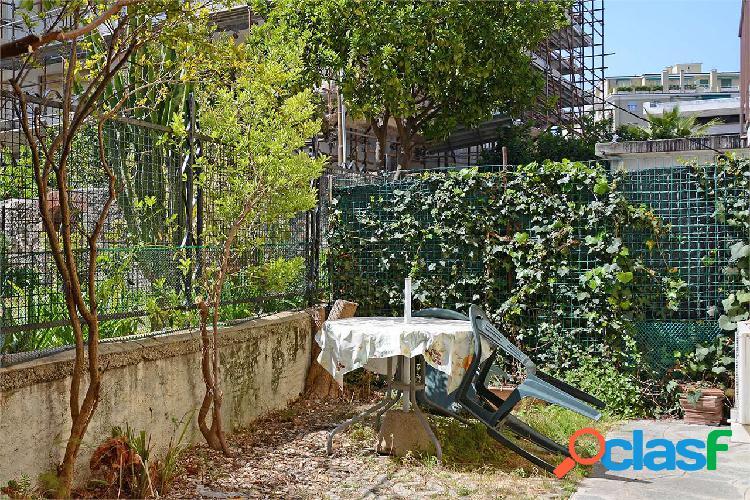 Sanremo, via marinella, bilocalino con giardino