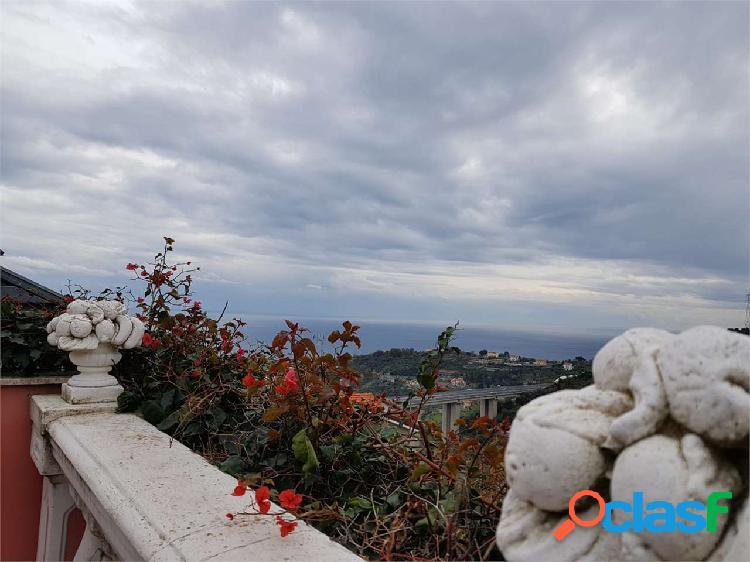 Sanremo, casa indipendente vista mare, biservizi