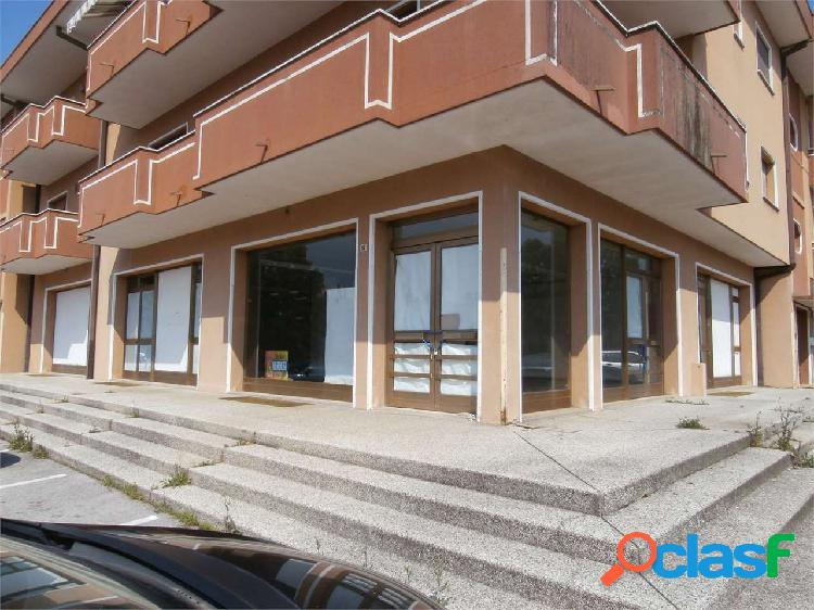 Commerciale in Via Don Mazzolari