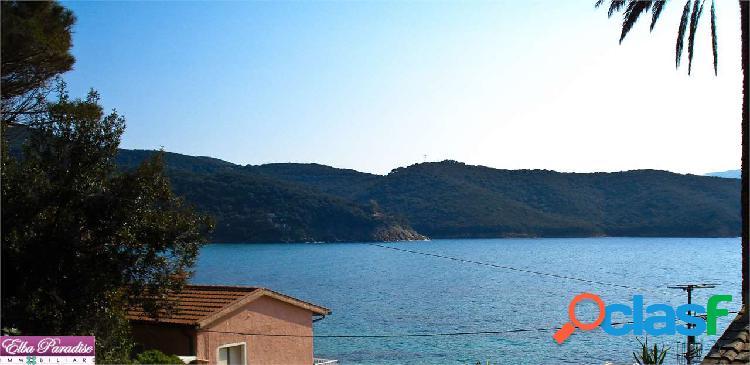 Villa sul mare in localita' forno
