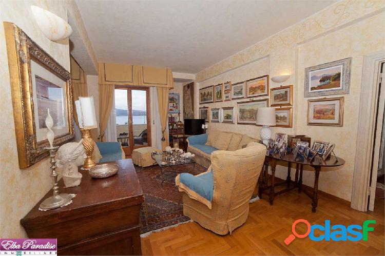 Prestigioso appartamento vista mare