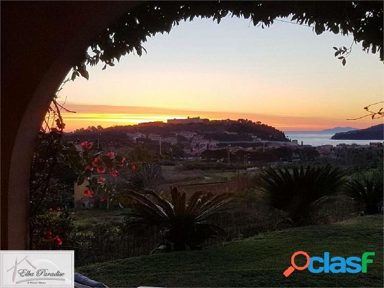 Prestigiosa villa con vista mare a porto azzurro