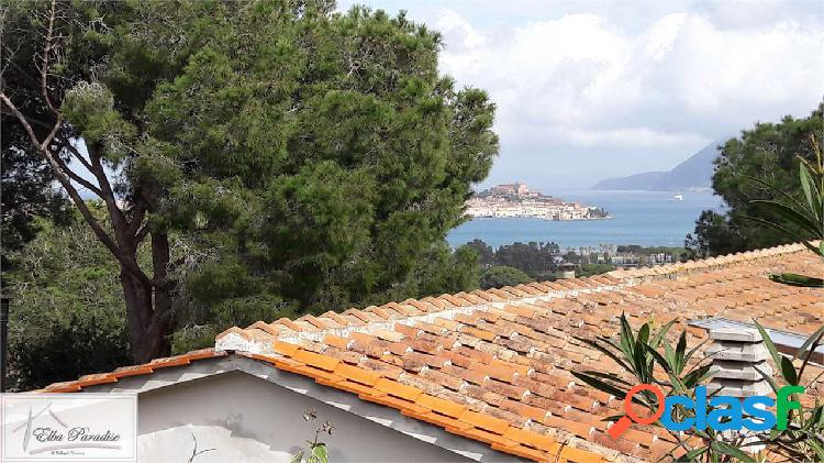 Porzione di villa con vista mare a portoferraio