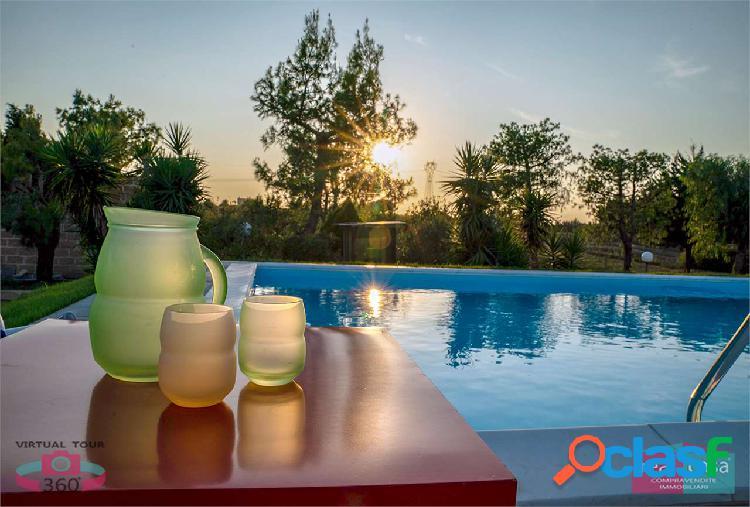 Villa con piscina e parco privato nel salento
