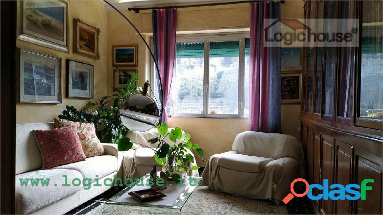 Savona ampio alloggio con vista Priamar in vendita