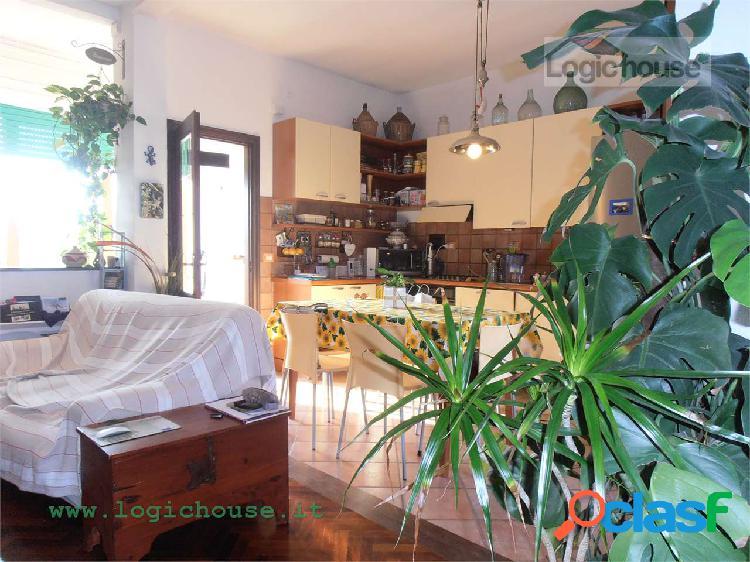 Savona appartamento con terrazzo in vendita