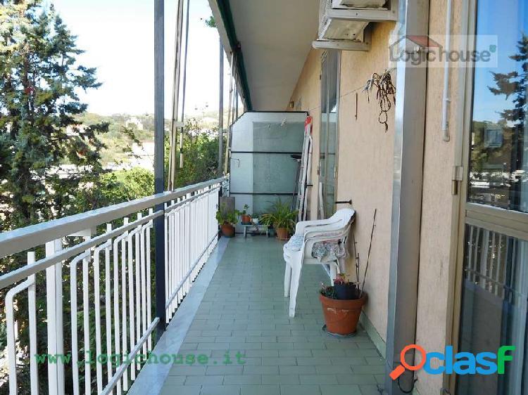 Savona Rusca quadrilocale con balconata in vendita