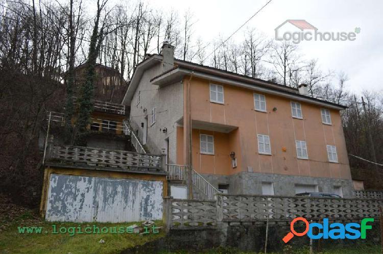 Villa quadrifamigliare Pontinvrea