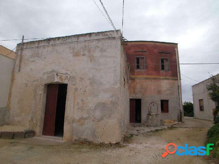 Casa 200 mq 1° e 2° piano con 200mq di terreno