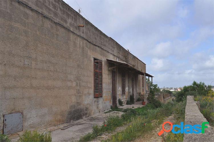 """Casa """"fronte strada"""" di 120mq al piano terra"""