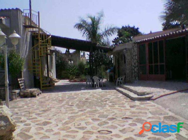 Casa 150mq con 20mq di dependance e terreno
