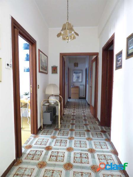 ABIGEST- Centralissimo appartamento arredato L.740