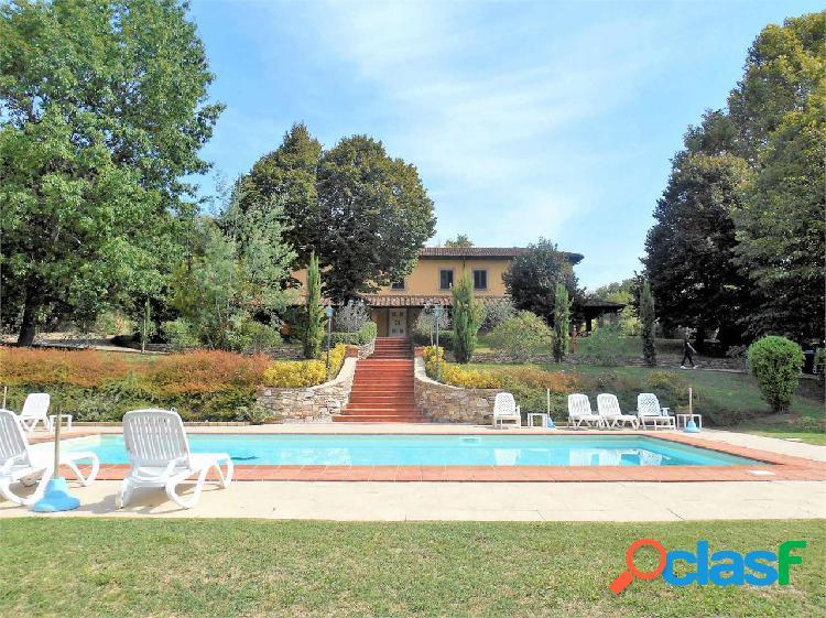S.ginese - villa con piscina e campo da tennis