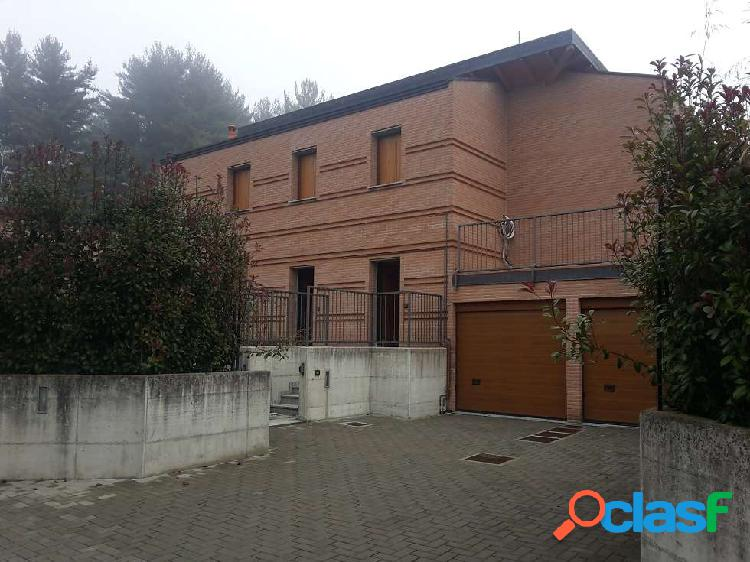 PORZIONE DI VILLA, RIF. BE-2201