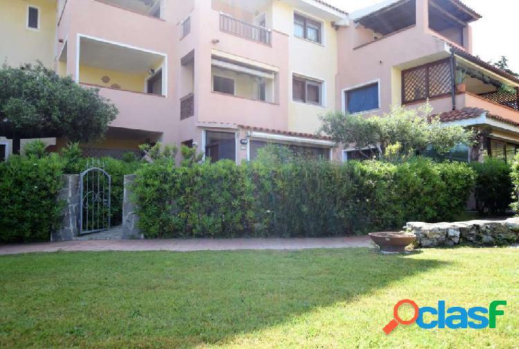 Appartamento piano terra in residence con piscina