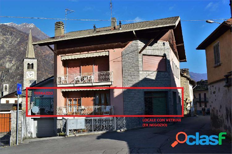 Appartamento con terrazzo al p. terra in vendita