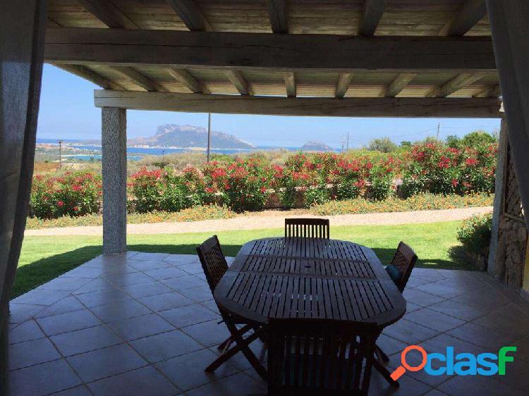 Villa con giardino e con spettaccolare vista mare