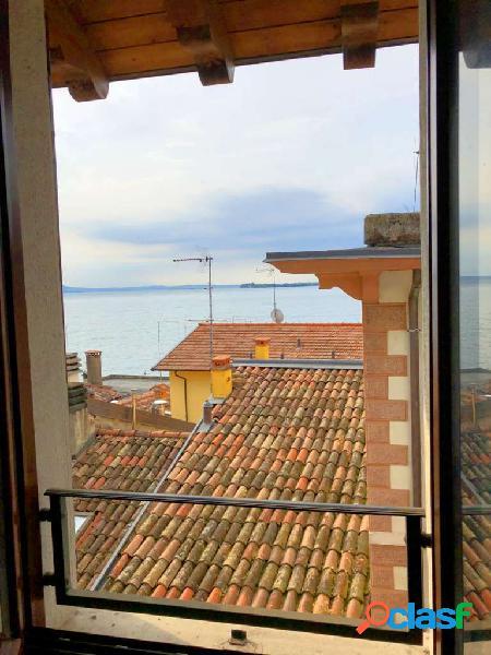 Attico lungolago D'Annunzio, Gardone Riviera