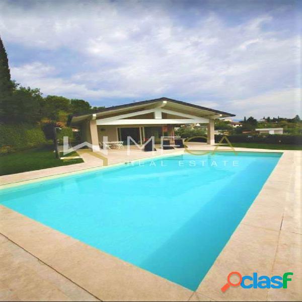 Nuova villa con vista e piscina, Padenghe