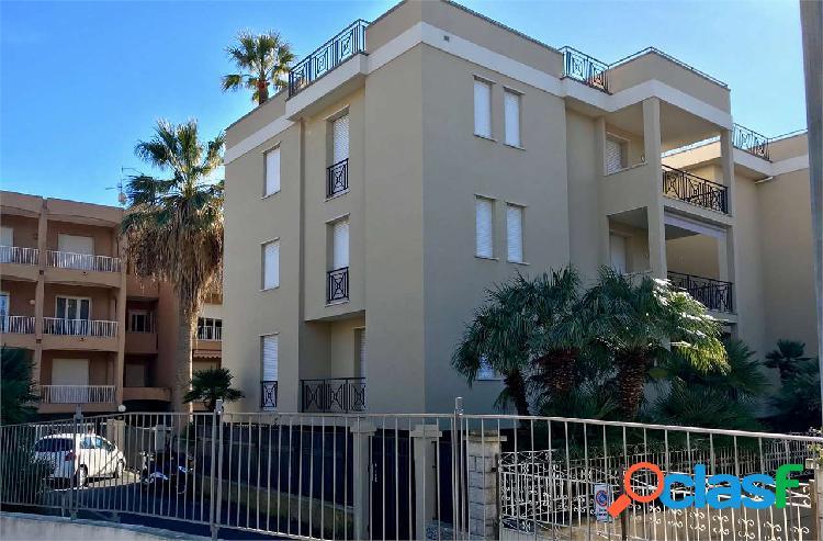 Bordighera - appartamento centrale con giardino