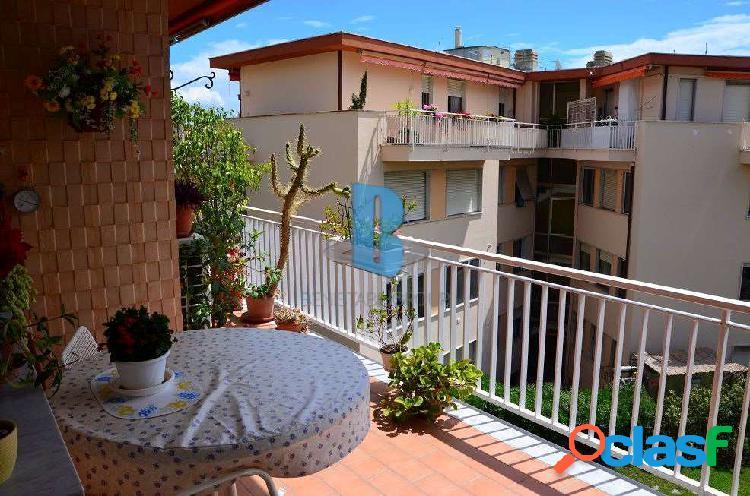 Appartamento su 2 livelli con magnifica vista mare 2