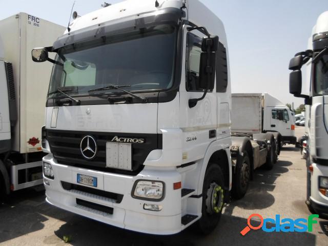 Mercedes-benz actros 32.44 l diesel in vendita a pradamano (udine)