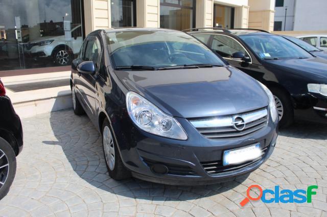 Opel corsa benzina in vendita a alessano (lecce)