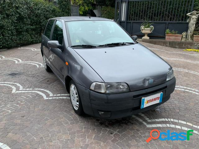 Fiat punto benzina in vendita a angri (salerno)
