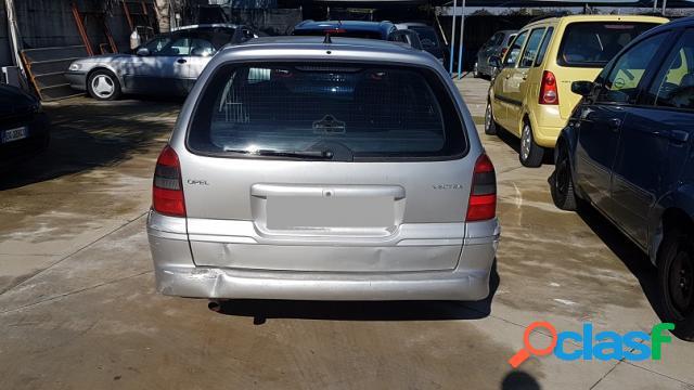 Opel vectra benzina in vendita a aversa (caserta)