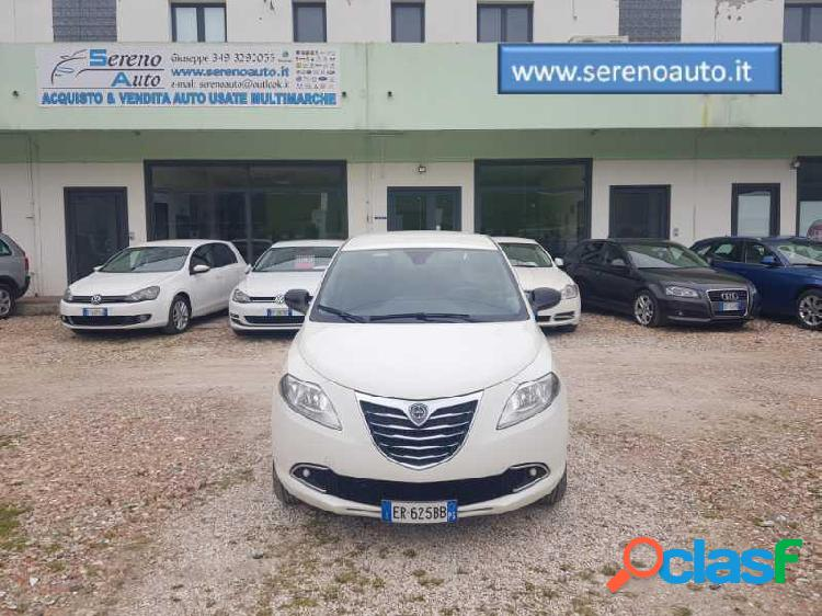 Lancia ypsilon metano in vendita a pesaro (pesaro-urbino)