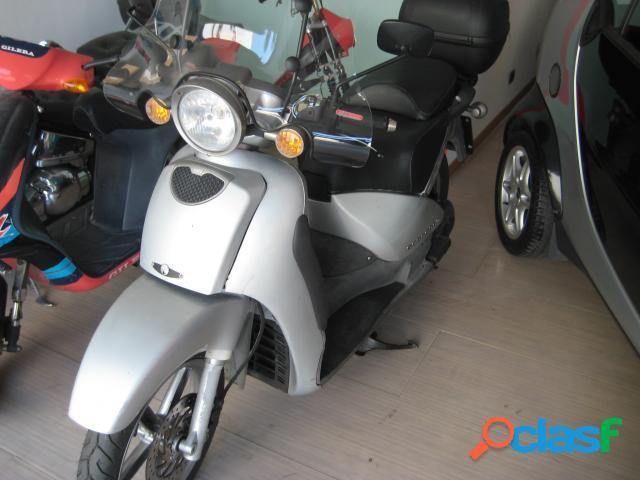 Aprilia sportcity 200 benzina in vendita a bari (bari)