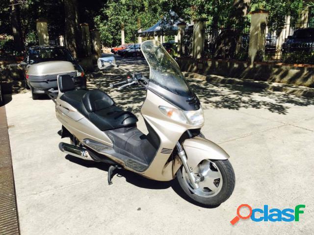 Suzuki Burgman AN 250 benzina in vendita a Morano Calabro (Cosenza)