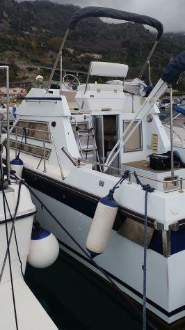Barca a motore jeanneau