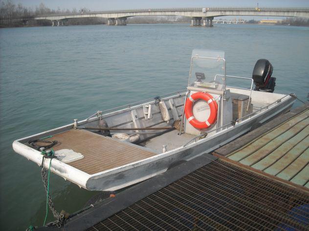 Barca da pesca 6 mt. con mercury 40 hp ed ecoscandaglio