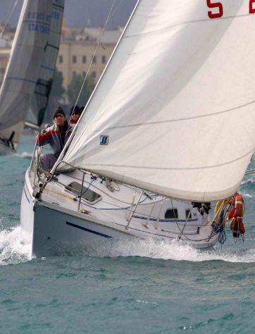 Barca cabinato a vela comet 293 (9.0 mt)