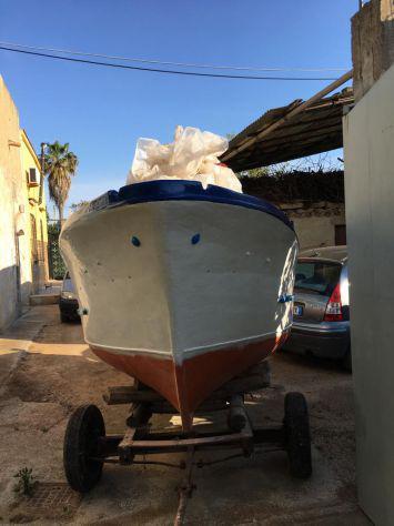 Barca con cabina e motore entrobordo farymann 10 cavalli