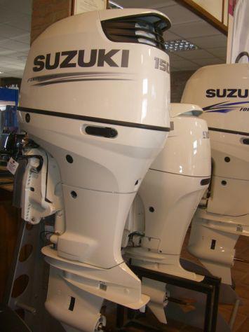 Fuoribordo nuovo suzuki df 150tl white