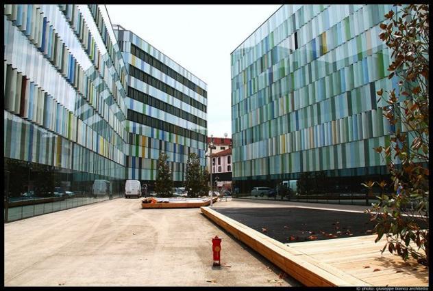 Immobile di 1565 m² con 1 locale in affitto a milano