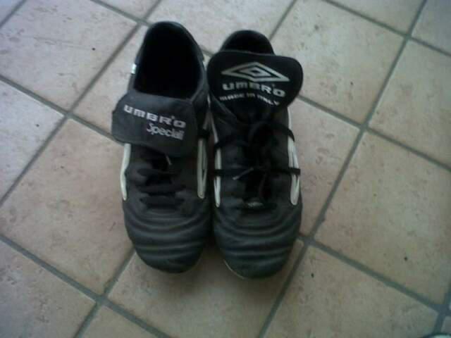 Scarpe calcio / calcetto numeri 38 e 40