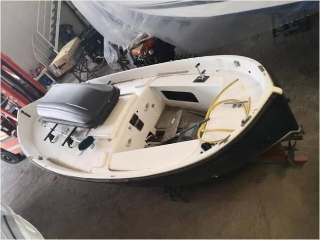 Barca a motore gozzo vtr 5 cv35 d anno1999 lunghezza mt5