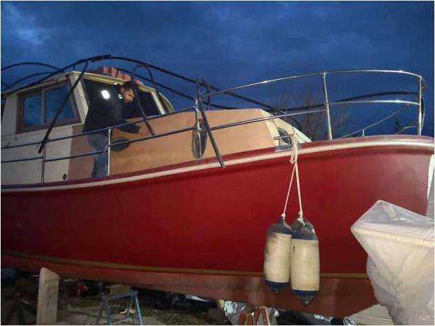 Barca a motore gozzo vtr scialuppa 930td anno1999 lunghezza