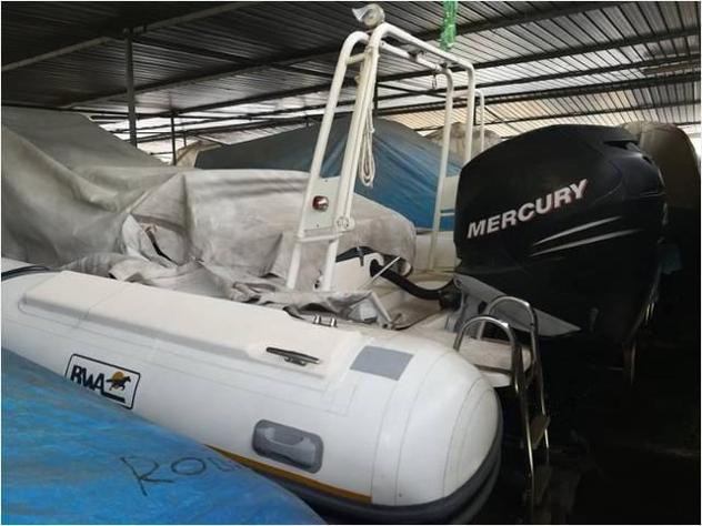 Barca a motorebwa bwa 750 america verado250 anno2005