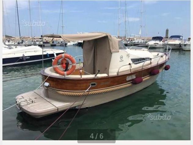 Barca a motorezona neutra gozzo damarin 900 anno2011