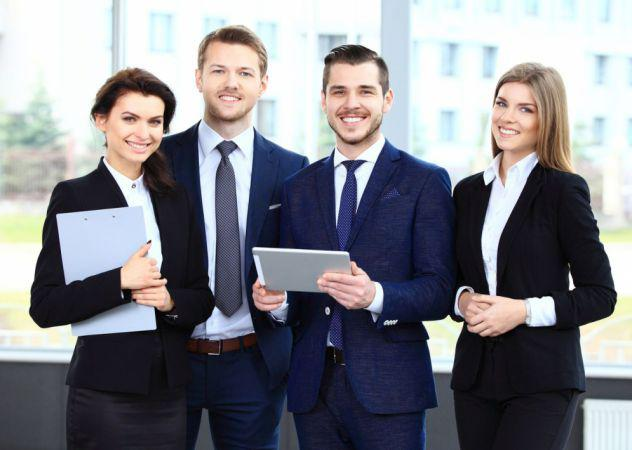 2 account/commerciali e 3 impiegati esperti nel settore