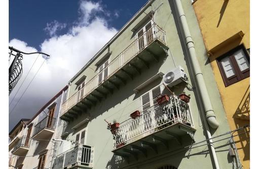 Appartamenti partinico centro storico via carmelo pardi