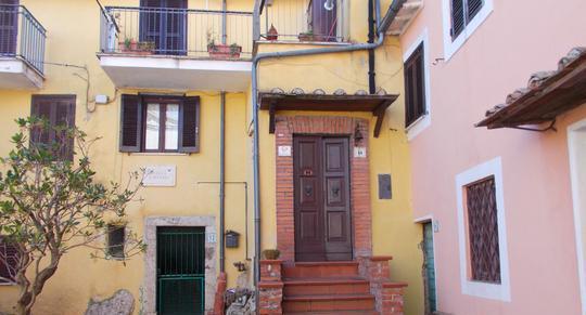 Appartamenti saracinesco centro storico piazza san michele