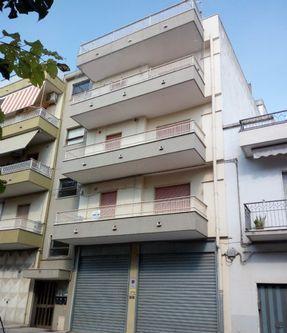 Appartamento 5 locali montescaglioso zona semi-centrale