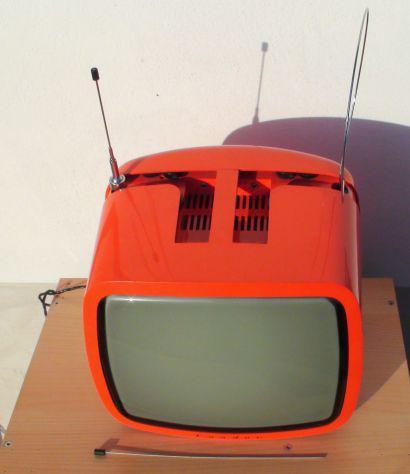 Tv condor arancione portatille design anni 70 bianco e nero