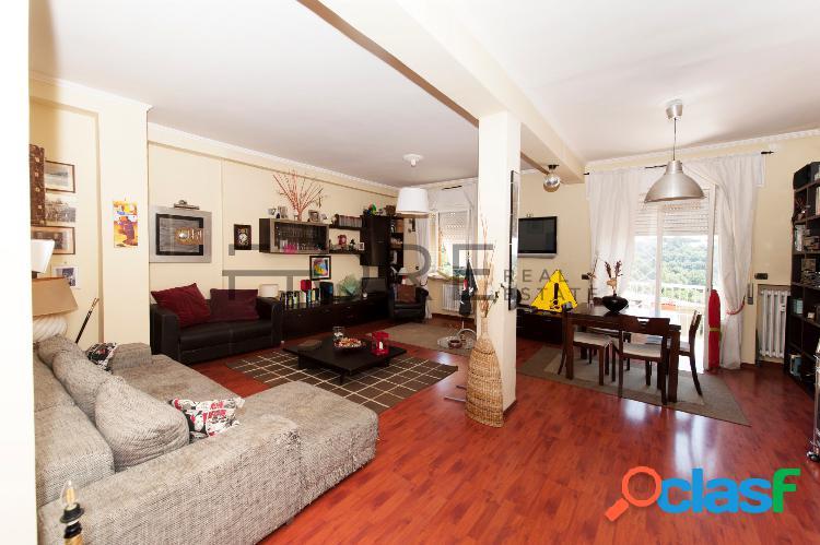 Tomba di nerone - vendita luminoso appartamento 140 mq